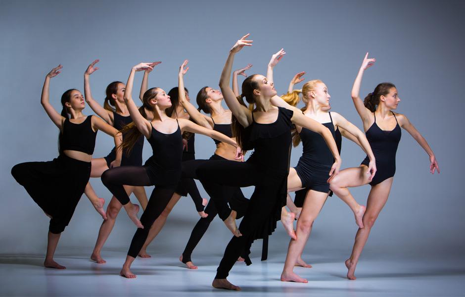 Modern Dancing Class